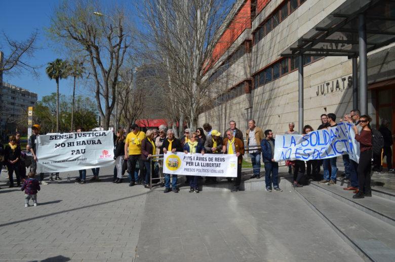 Concentracio solidaritat encausades Reus