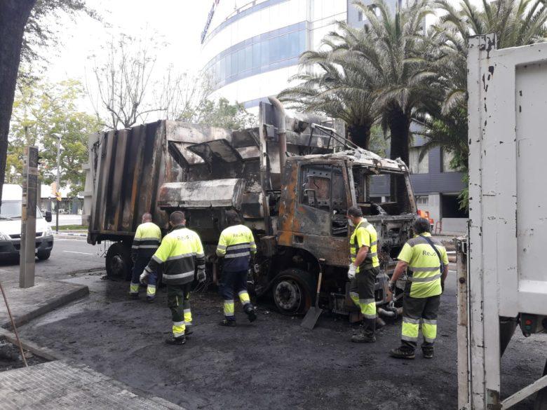 Camió de la brossa cremat a Reus